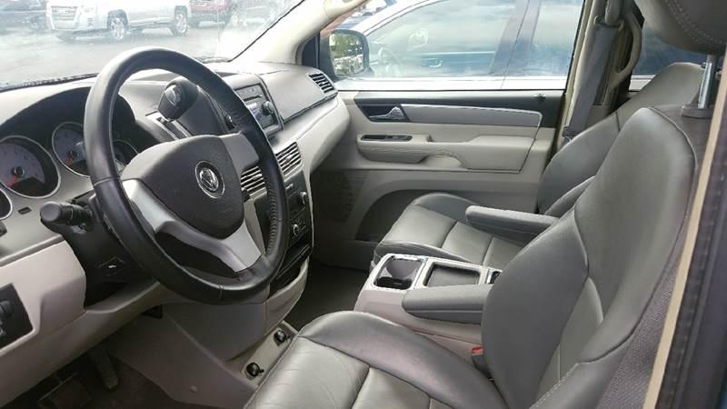 2009 Volkswagen Routan SEL 4dr Mini-Van w/ RSE - Hollywood FL