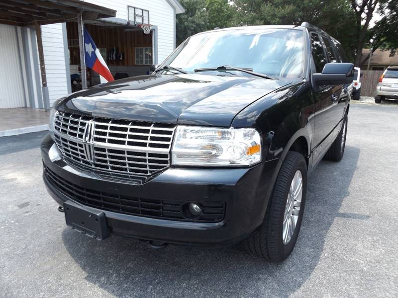 2011 Lincoln Navigator for sale at Americar Auto Sales in New Braunfels TX