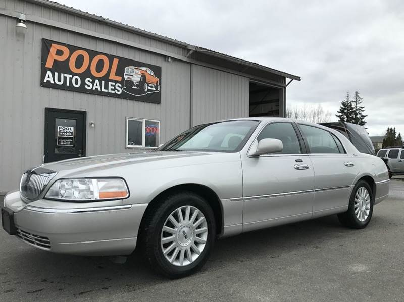 2003 Lincoln Town Car for sale at Pool Auto Sales in Hayden ID
