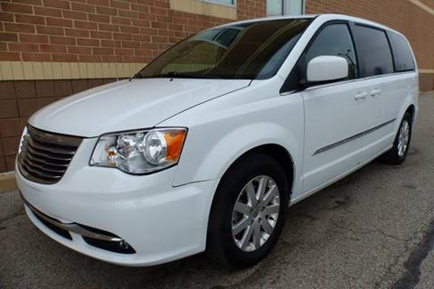2016 Chrysler Town and Country for sale in New Haven, MI