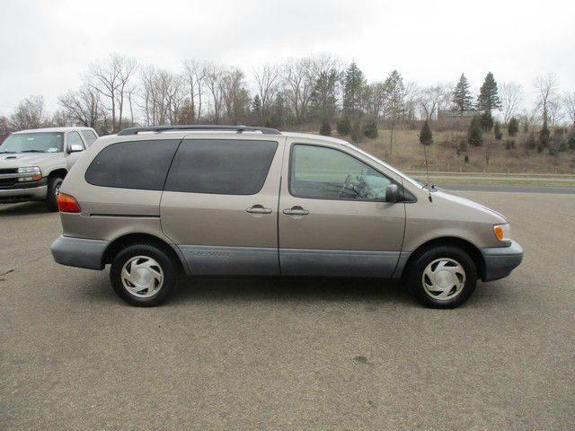 1998 Toyota Sienna 4dr XLE Mini-Van - Inver Grove Heights MN