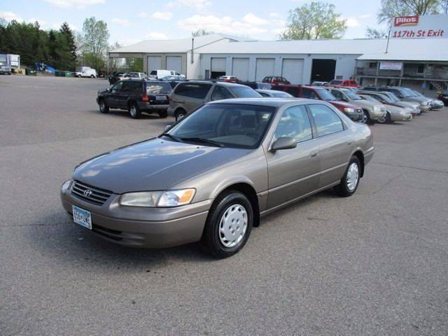 1999 Toyota Camry LE 4dr Sedan - Inver Grove Heights MN