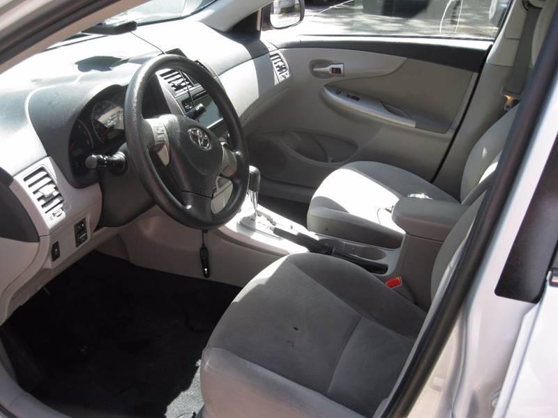 2013 Toyota Corolla LE 4dr Sedan 4A - South Burlington VT
