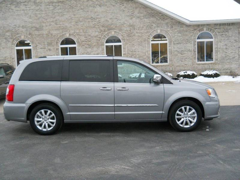 2016 Chrysler Town and Country Limited Platinum 4dr Mini-Van - Decorah IA