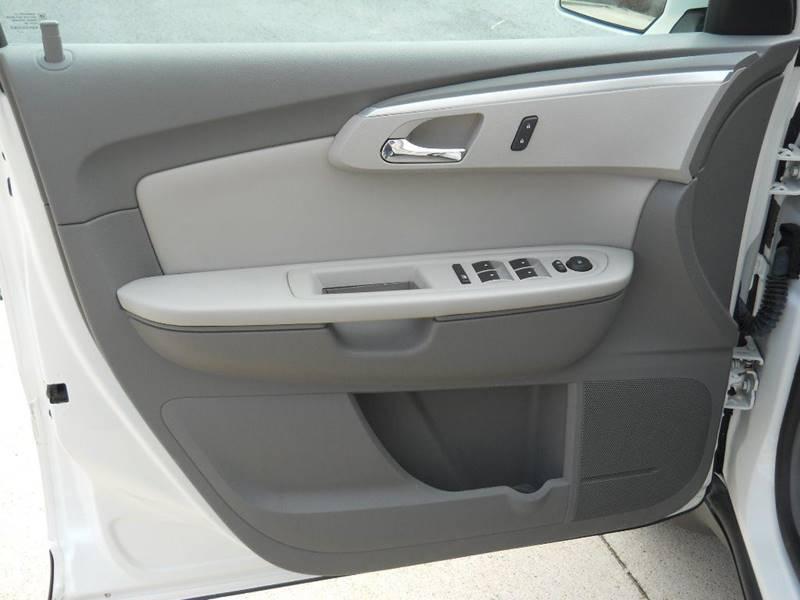 2011 Chevrolet Traverse AWD LT 4dr SUV w/1LT - Decorah IA