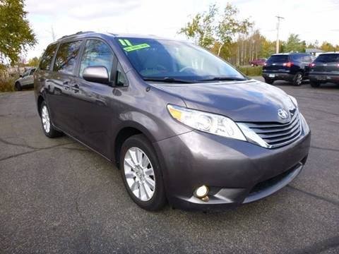 2011 Toyota Sienna for sale in Duluth, MN
