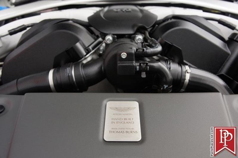 2017 Aston Martin V12 Vantage S 38