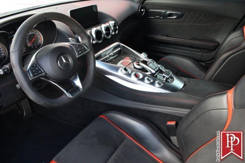 2016 Mercedes-Benz AMG GT 8