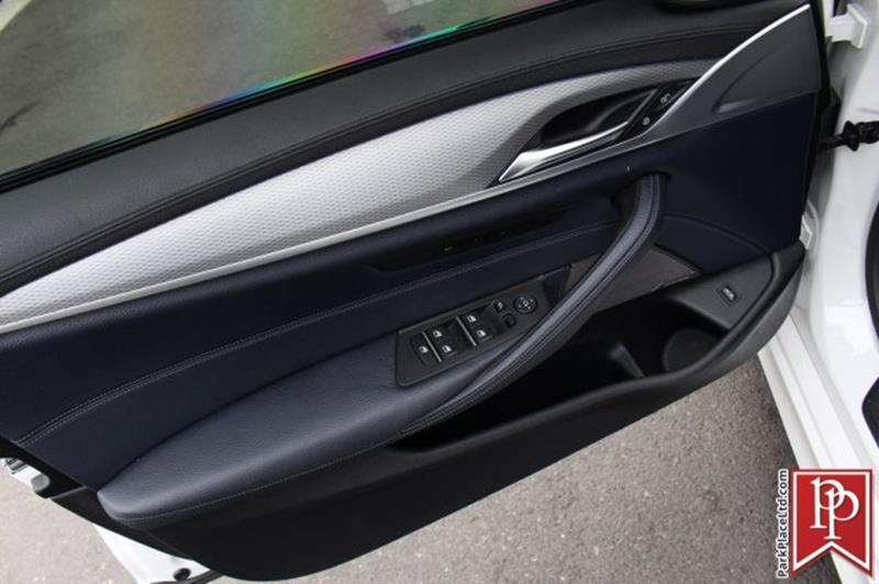 2017 BMW 5 Series 11
