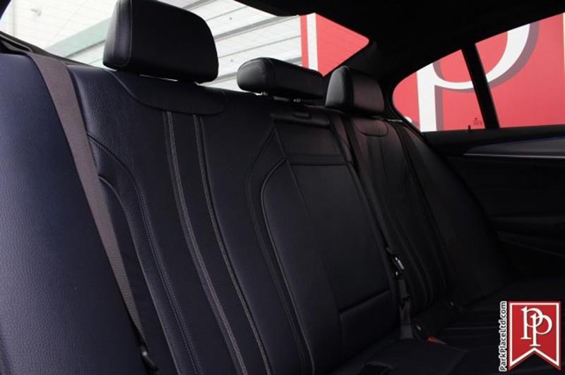 2017 BMW 5 Series 36