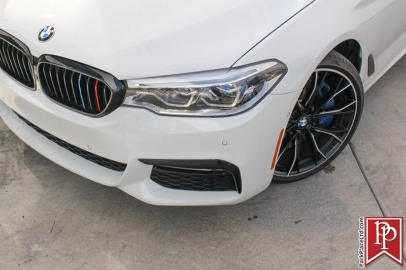 2017 BMW 5 Series 32