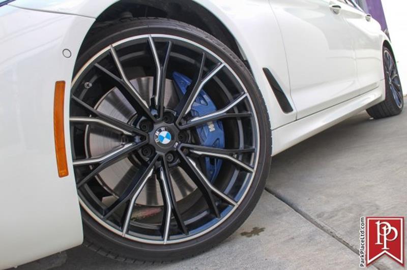 2017 BMW 5 Series 33
