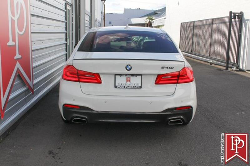 2017 BMW 5 Series 12