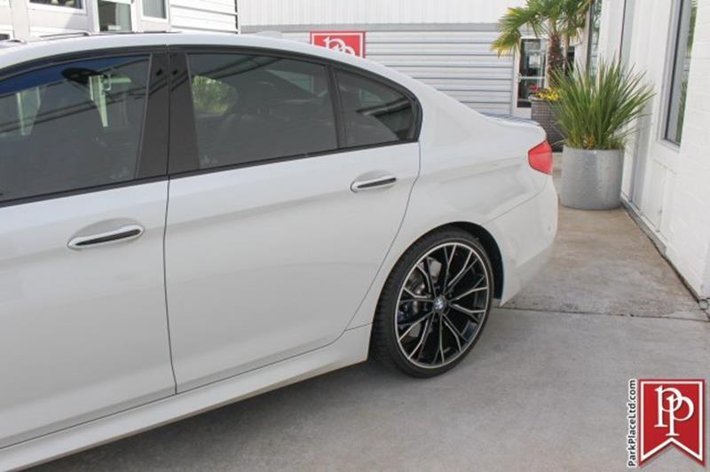 2017 BMW 5 Series 35