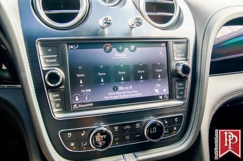 2018 Bentley Bentayga 33