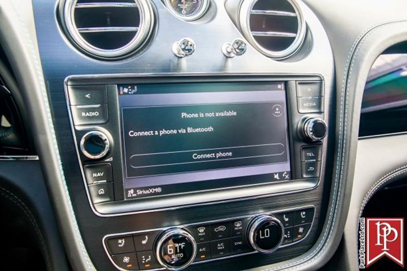 2018 Bentley Bentayga 36