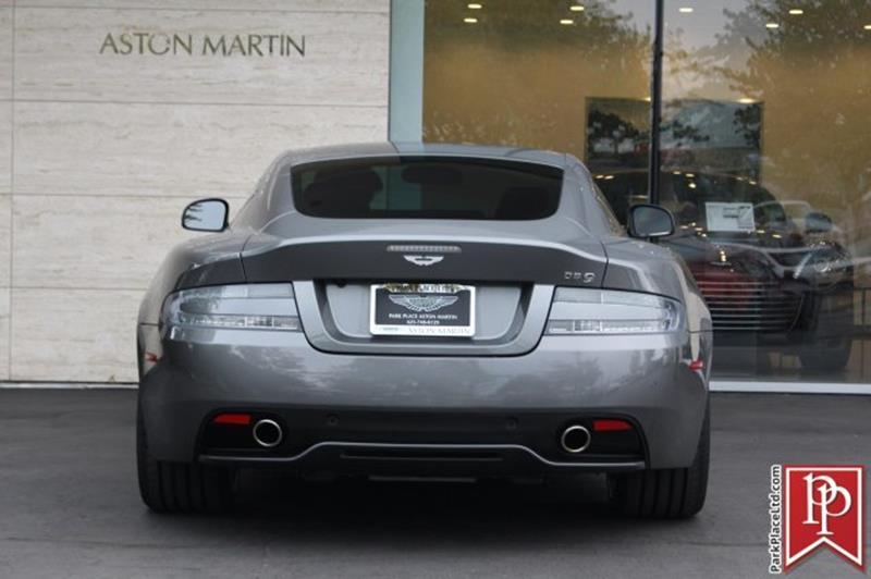 2015 Aston Martin DB9 3