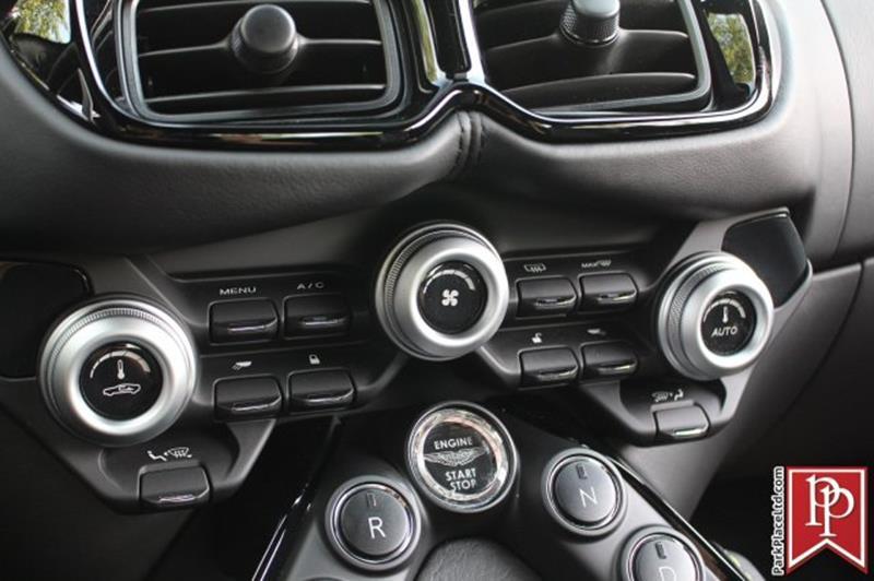 2020 Aston Martin Vantage 28