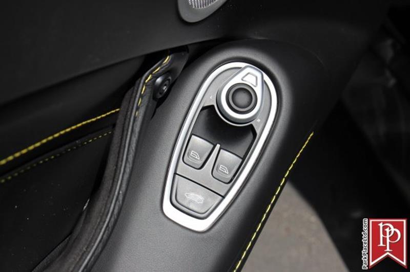 2020 Aston Martin Vantage 13