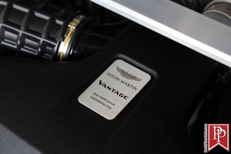2020 Aston Martin Vantage 38