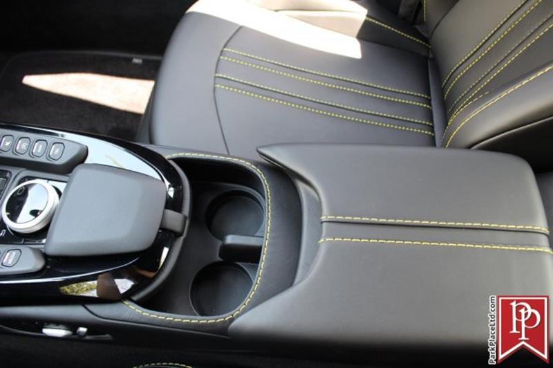 2020 Aston Martin Vantage 32