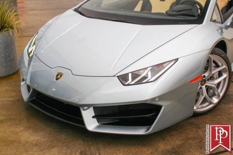 2017 Lamborghini Huracan 33