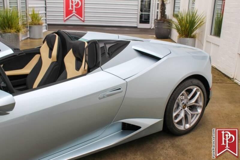 2017 Lamborghini Huracan 35