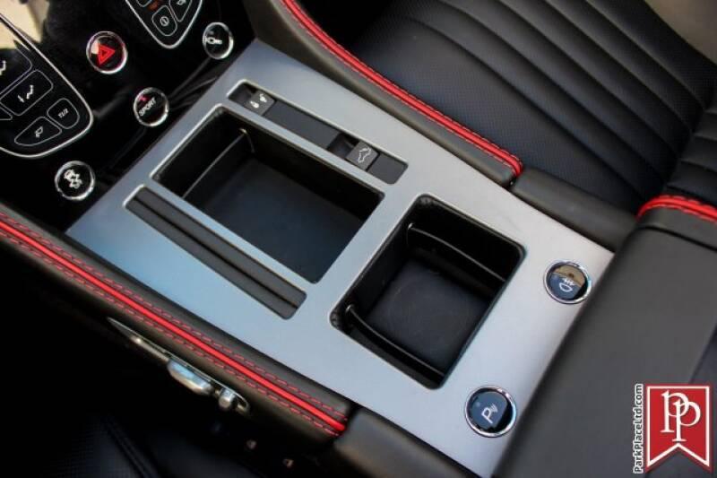 2016 Aston Martin DB9 29
