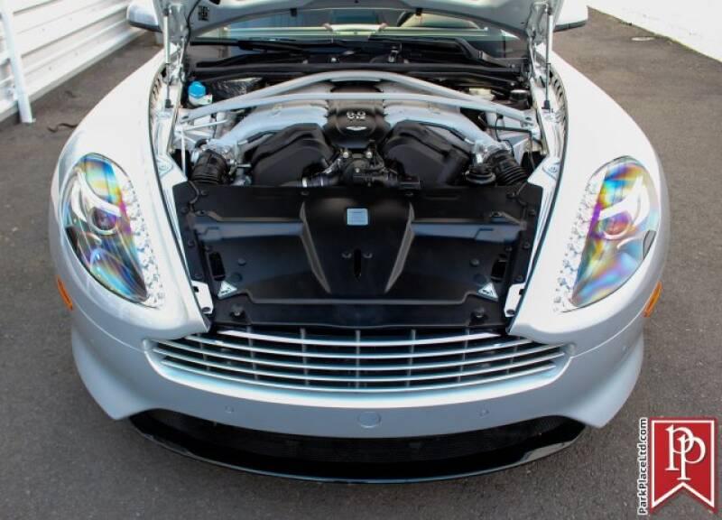 2016 Aston Martin DB9 36