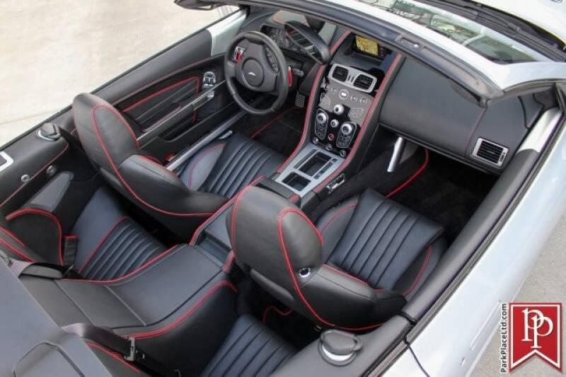 2016 Aston Martin DB9 45