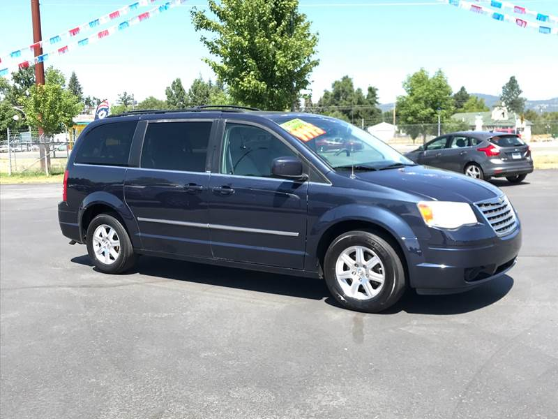 Spokane Used chrysler Town and Country