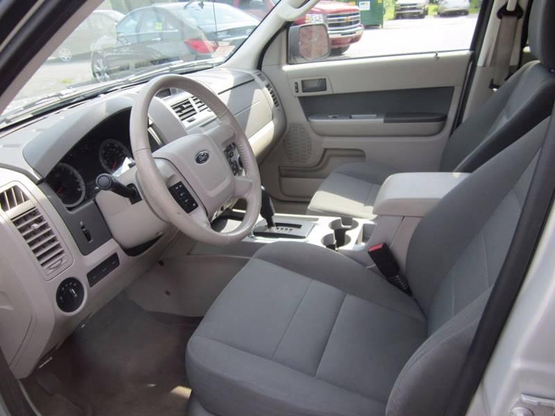 2009 Ford Escape AWD XLT 4dr SUV V6 - Tewksbury MA