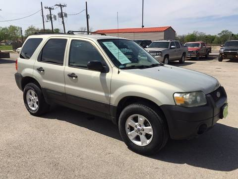 2005 Ford Escape for sale at JENTSCH MOTORS in Hearne TX