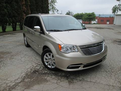 2013 Chrysler Town and Country for sale in Bloomington, IL