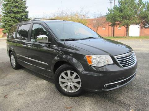 2011 Chrysler Town and Country for sale in Bloomington, IL