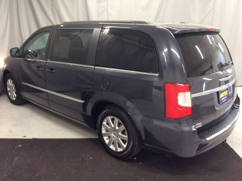 2014 Chrysler Town and Country Touring 4dr Mini-Van - Newton IA