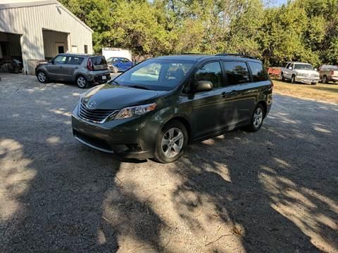 2011 Toyota Sienna for sale in Halstead, KS
