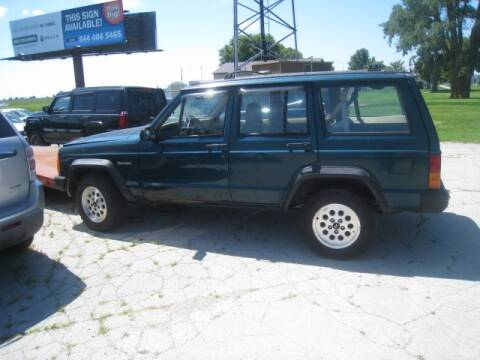 1996 Jeep Cherokee for sale at BEST CAR MARKET INC in Mc Lean IL