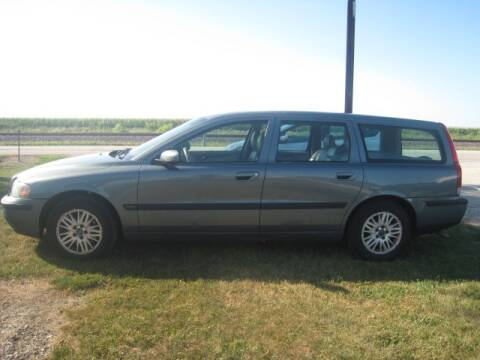 2004 Volvo V70 for sale at BEST CAR MARKET INC in Mc Lean IL