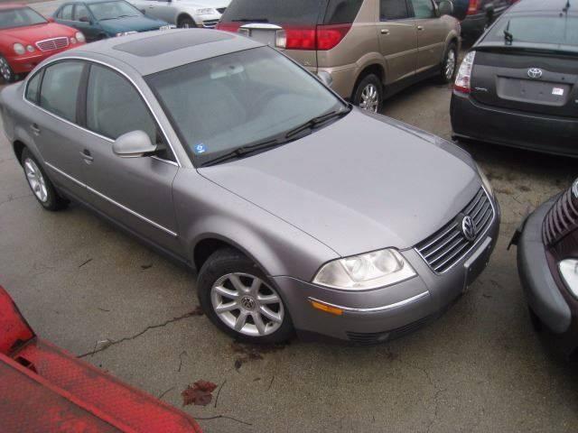 2004 Volkswagen Passat for sale at BEST CAR MARKET INC in Mc Lean IL