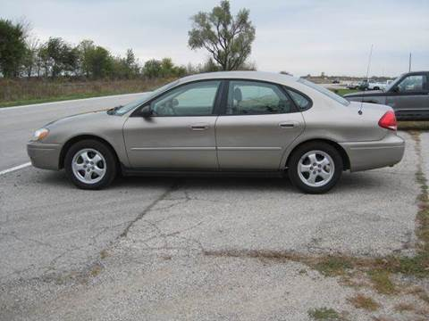 2005 Ford Taurus for sale at BEST CAR MARKET INC in Mc Lean IL
