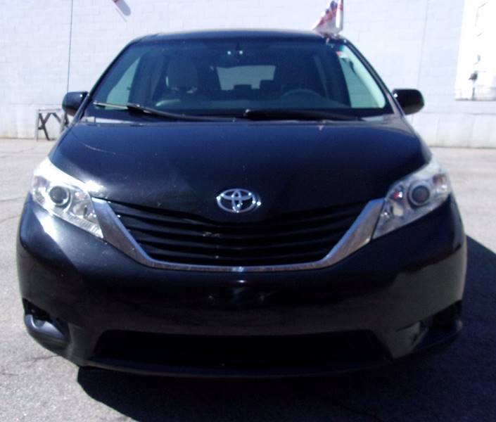 2013 Toyota Sienna Transmission: 2013 Toyota Sienna AWD LE 7-Passenger 4dr Mini-Van In