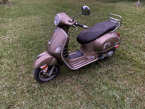 2013 Vespa GTS 300 ie for sale at My Car Inc in Pls. Call 305-220-0000 FL