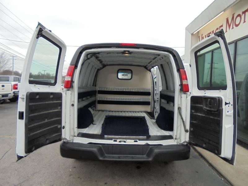 Van E Auto Sales Raytown Mo >> 2014 Chevrolet Express Cargo 1500 3dr Cargo Van In Raytown Mo