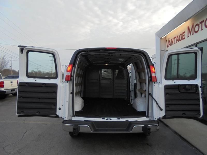 Van E Auto Sales Raytown Mo >> 2017 Gmc Savana Cargo 2500 3dr Cargo Van In Raytown Mo Vantage