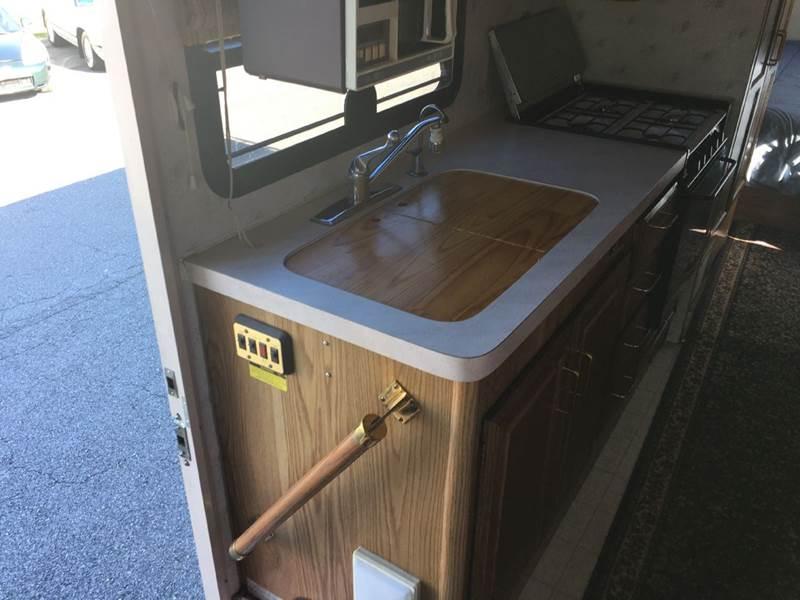 1992 Chevrolet fleetwood bounder - Lynchburg VA