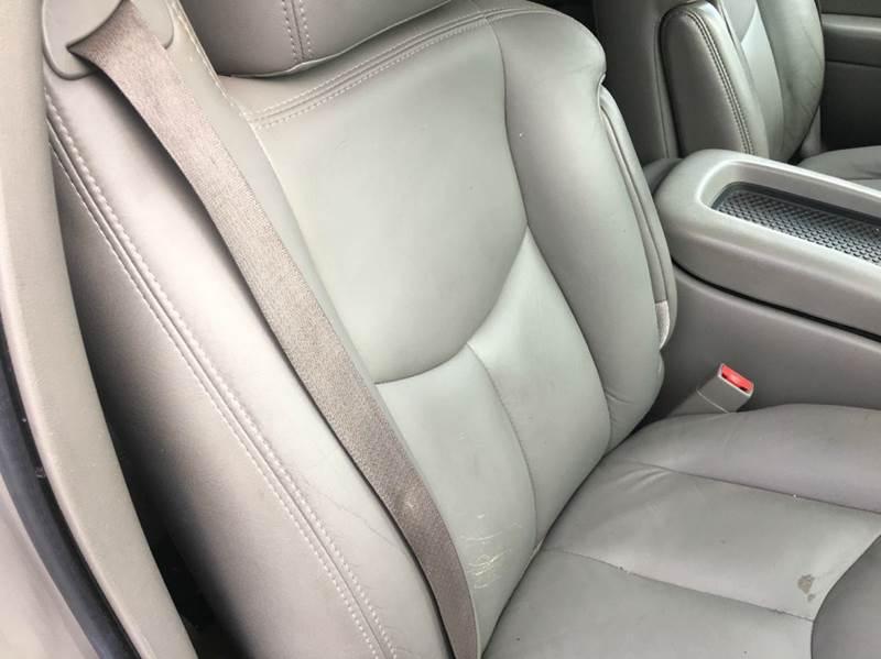 2006 Chevrolet Suburban LT 1500 4dr SUV 4WD - Lynchburg VA