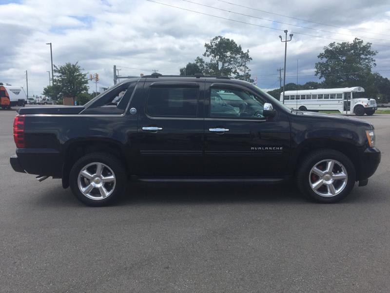 2013 Chevrolet Avalanche 4x4 Lt 4dr Crew Cab Pickup In