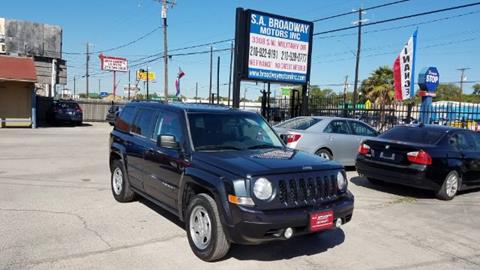 2014 Jeep Patriot for sale at S.A. BROADWAY MOTORS INC in San Antonio TX