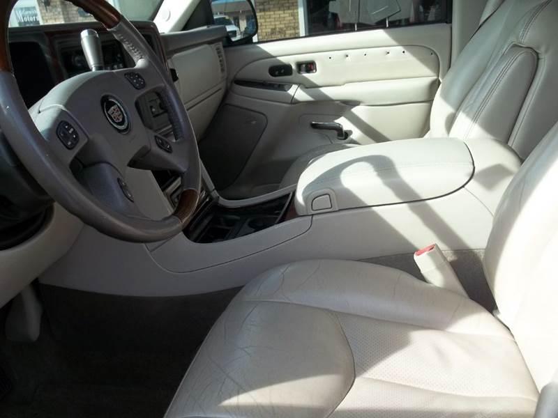 2005 Cadillac Escalade AWD 4dr SUV In Decatur IL - McCormick Motors